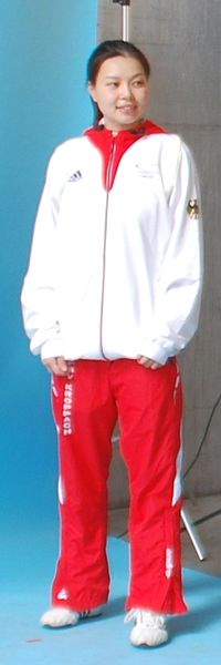 Jiaduo Wu bei der Olympiaeinkleidung 2012 in Mainz (cropped).jpg