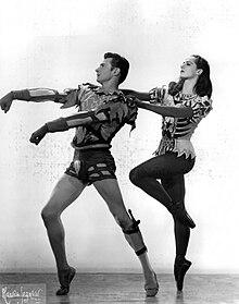 Kriza and Lupe Serrano perform