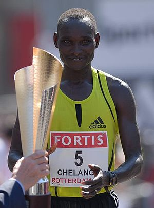 Rotterdam Marathon - Joshua Chelanga receiving his prize after winning the 2007 edition of the Rotterdam Marathon