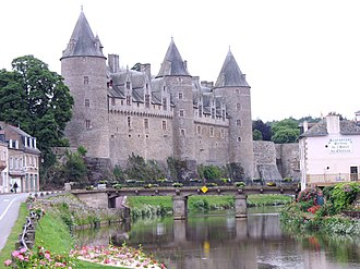 Josselin - View of Josselin Castle from the River Oust