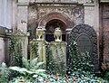 Juedischer Friedhof Schoenhauser Wandgrab 5.jpg
