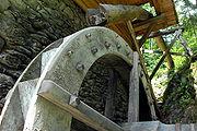 Oberschlächtiges Wasserrad einer Lesachtaler Mühle