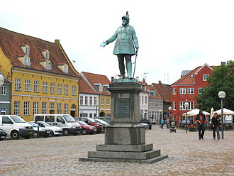 Køge - Køge Torv with its statue of Frederick VII