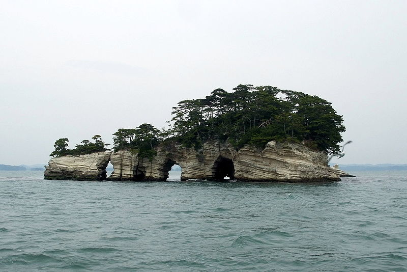 http://upload.wikimedia.org/wikipedia/commons/thumb/0/03/Kanejima.jpg/800px-Kanejima.jpg