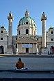 Karlskirche, Vienna. Hier entsorgen sie den Unrat des Lebens 2.jpg