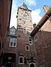 kasteel wijchen 11, hoofdtoren vanaf binnenplaats