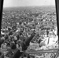 Kelet-Berlin, kilátás a TV toronyból, középen a Rosa Luxemburg Platz és a Volksbühne. Fortepan 60000.jpg