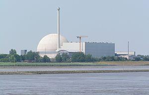 Unterweser Nuclear Power Plant - Image: Kernkraftwerk Unterweser fotogrfiert von der Weser