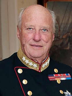 King Harald V of Norway (29227859394) (cropped).jpg