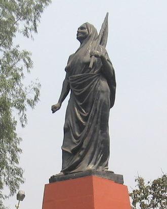 Matangini Hazra - Statue of Hazra on the Maidan at Kolkata