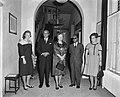Koningin Juliana ontvangt op paleis Soestdijk de premier van Trinidad, Eric Will, Bestanddeelnr 914-3737.jpg