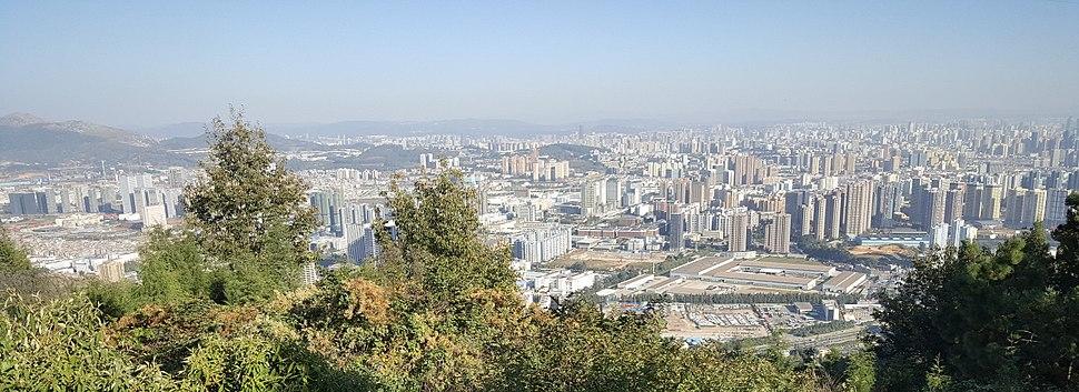Kunming from Yu%27an Shan