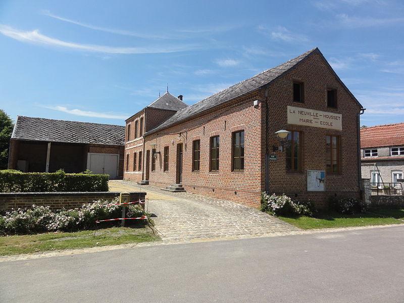 La Neuville-Housset (Aisne) mairie-école