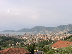 Vista de La Spezia desde as colinas do leste.