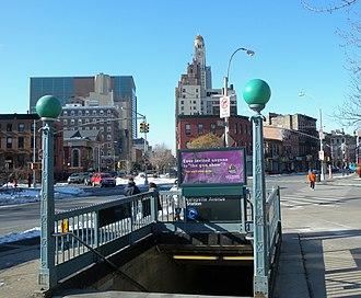 Lafayette Avenue (IND Fulton Street Line) - Hanson Place stair