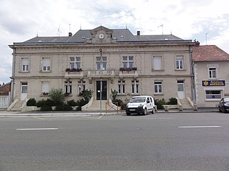 Le Catelet - The town hall of Le Catelet
