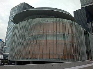 泛民主派與其在議會硬銷「全民退休保障」,倒不如要求政府全盤檢討香港整個退休保障制度。 (圖片:Ceeseven@Wikimedia)