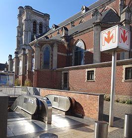 Bourg metrostation wikipedia - Station essence porte des postes lille ...