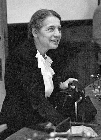 Lise Meitner - Lise Meitner in 1946