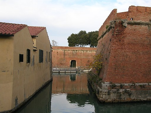 Livorno -Fortezza Nuova e fossato-
