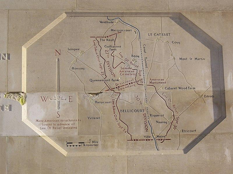 Description gravée dans la pierre du mémorial de l'offensive américaine victorieuse sur la ligne Hindenburg (septembre 1918).