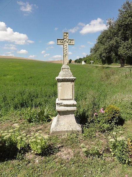Ménil-aux-Bois (Meuse) croix de chemin