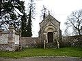 Mérélessart, Somme, Fr, chapelle funéraire du château (11).jpg