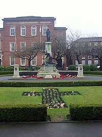 Macclesfield War Memorial. (5999327401).jpg