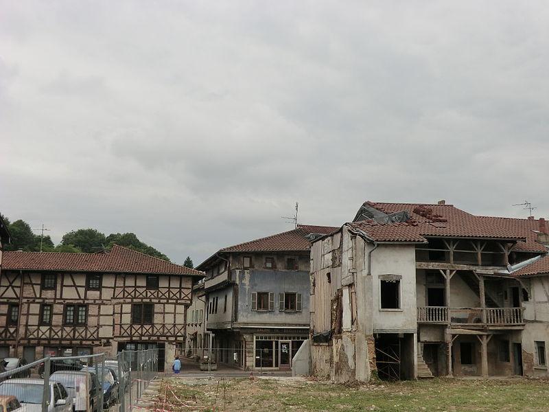 Maisons du quartier moyenâgeux de Chalamont.
