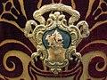 Manifattura fiorentina, paliotto in velluto broccato, 1700-50 ca, da s.piero in mercato, stemma.JPG