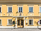 Maria Saal Am Platzl 7 Marktgemeindeamt Portal W-Ansicht 17092018 4693.jpg