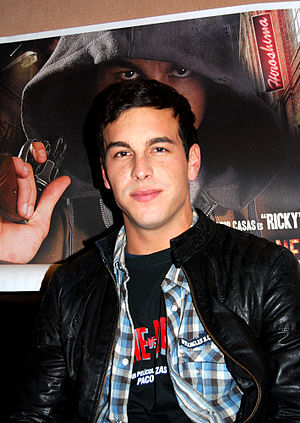 English: Spanish Actor Mario Casas Español: Ac...