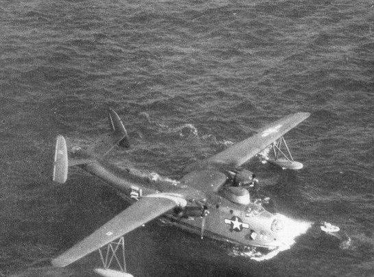 Martin PBM Mariner rescues pilot c1945