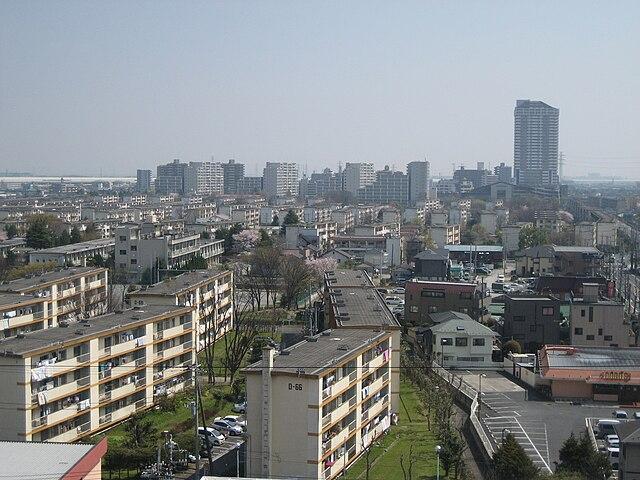 640px-Matsubara-danchi_004%2C_Soka%2C_Saitama_prefecture%2C_Japan.JPG