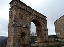 Medinaceli - Arco romano 02.jpg