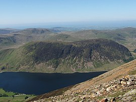 Mellbreak from Grasmoor summit.JPG