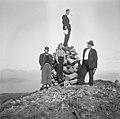 Men by a cairn on Håfjelltuva - 1941.jpg