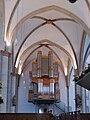 Menden St Vinzenz nave with organ.jpg