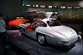 Mercedes-Benz 300SL 1955 Flügeltüren Gullwing Coupè LSideRear MBMuse 9June2013 (14980524831).jpg