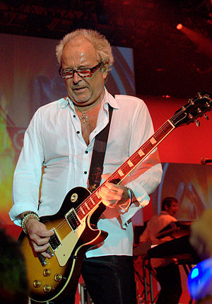 Mick Jones (Foreigner guitarist) - Jones performing with Foreigner at VMWorld, San Francisco, 2 September 2009