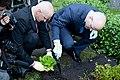 Ministru kabineta dārzeņu dobes atklāšana (7247967518).jpg