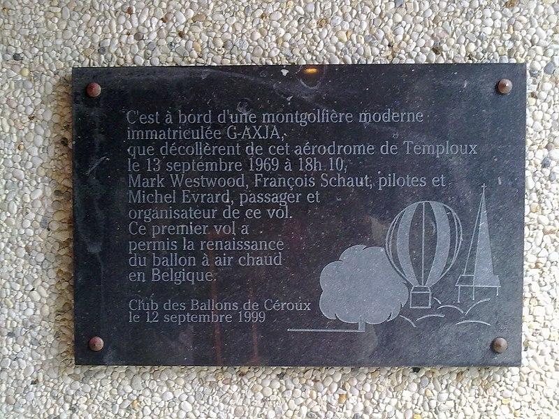 Plaque commémorative du premier vol en Montgolfière depuis l'aérodrôme de Temploux (Province de Namur-Belgique) le 13 septembre 1969.
