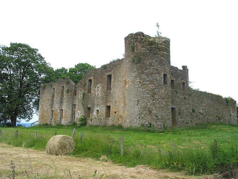 """Montquintin, Belgium: """"de Hontheim"""" castle ruins (15th–17th centuries)."""
