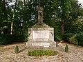 Monument aux morts Saint-Sulpice-de-Favières.jpg