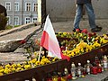 Monument to the Fallen Shipyard Workers of 1970 in Gdańsk after president's plane crash 2010 - 12.jpg