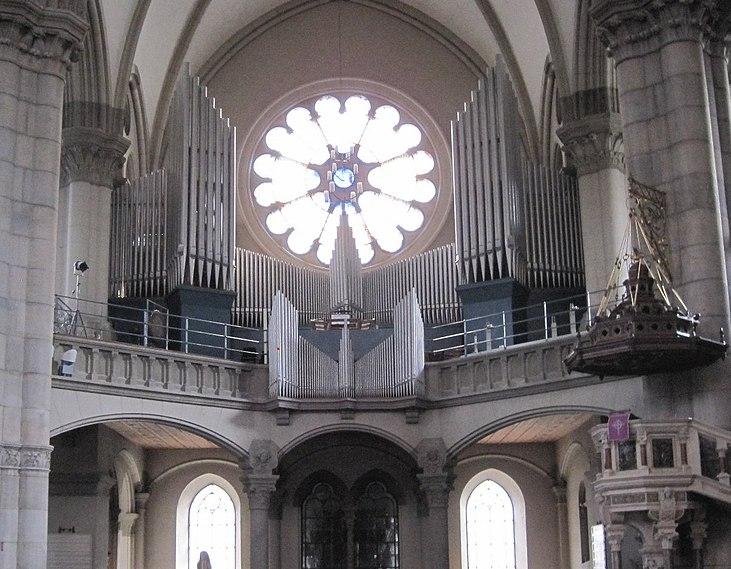 File:Muenchen St Lukas Orgel.jpg