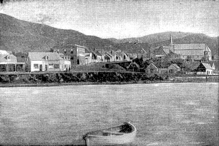 Thorndon Quay -- Mulgrave Street. Pipitea Pa in the right foreground, St Paul's pro-cathedral behind the pa. Thistle Inn is slightly left of the centre of this 1866 picture Mulgrave Street, Wellington 1866.png