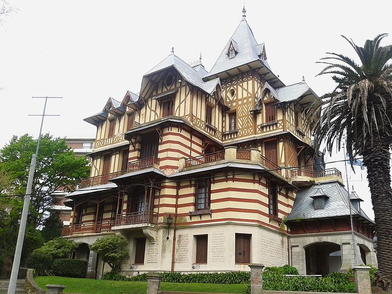 File:Museo Castagnino-03-Ex Villa Ortiz Basualdo.jpg