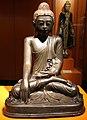 Museum für Völkerkunde zu Leipzig, Buddha in der Geste der Erdanrufung.jpg