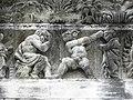 Nîmes (30) Cathédrale Frise 10.JPG
